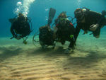 diving students learing to dive while liveaboard diving at Koh Haa