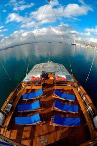 Sundeck-onboard-sea-safari-6-dive-boat