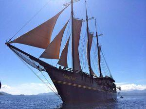 WAOW-Liveaboard-dive-boat-Indonesia-Komodo