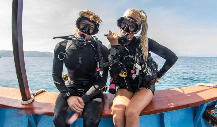unguided diving buddies