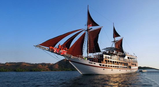 seamore-papua-scuba-diving-boat-indonesia