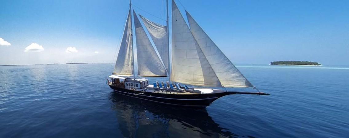 Maldives dive yacht Dream Voyager